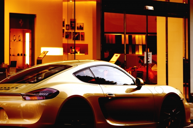 前澤友作の車がカッコいい!スーパーカー、所有台数、価格はいくら?