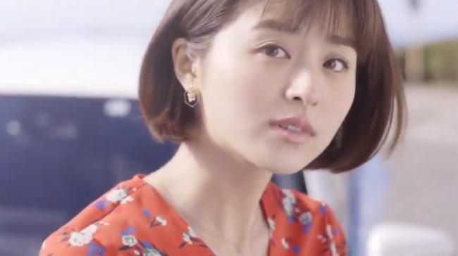 ニッポンレンタカーCM2019の女優は誰?ジーンズ姿の美女は鈴木ちなみ!